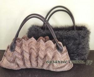 Бежевая гофрированная вязаная сумочка крючком