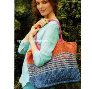 большая и удобная вязаная сумка спицами платочная вязка