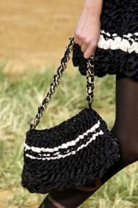 Черная сумка Шанель из лент