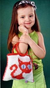 Детская вязаная сумка с кошкой крючком