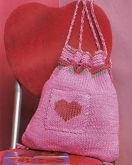 Фото Вязаная сумка для девочки спицами.
