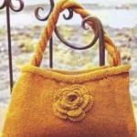 Фото вязаная сумка с цветком
