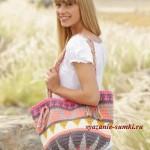 летняя вязаная сумка крючком с этническим узором