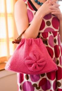 """Маленькая вязаная сумочка спицами """"Йо-Йо"""" фото"""