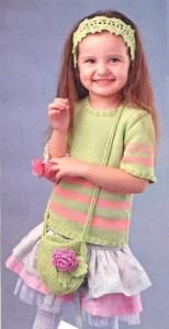 полосатая вязаная кофточка, повязка на голову и сумочка для девочки 4-5 лет