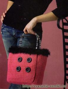 розовая вязаная сумочка крючком в стиле chanel фото
