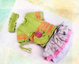 вязаная повязка на голову, сумочка с розой и пуловер на девочку 4-5 лет
