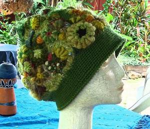 вязаная шляпа в стиле фриформ от ренаты киркпатрик