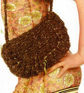 Вязаная сумка с оборкой под Фенди