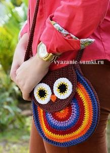 яркая вязаная сумочка сова крючком со схемами вязания