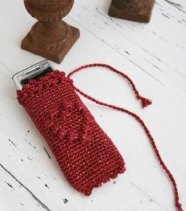 Вязаный чехол для мобильного телефона крючком