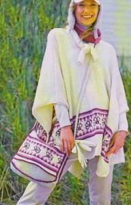 вязаное пончо спицами и сумка